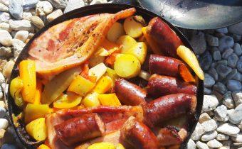 Pácolt sertéstarja kolbászos zöldségekkel