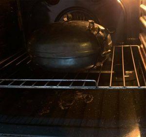 Modern HAPPY FLAME UFO sütődiszkosz a a sütőben